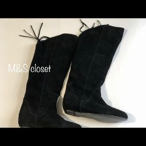 Black boots with Tassels